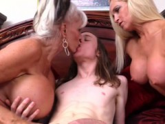 sexe anal pour blonde chaude foria